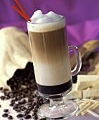 Kaffeegetränk mit Alkohol