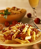 Penne con la salsa cruda (Penne with cocktail tomatoes)