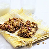 Fruit and Pecan Granola Bars
