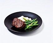 Filet Mignon with Mashed Potatoes and Green Beans