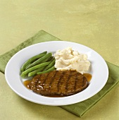 Salisbury Steak with Mashed Potatoes and Green Beans