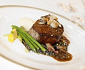 Beef Fillet with Green Beans and Mushrooms