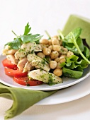 Salad with chicken breast, chick-peas and pesto dressing