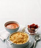 Macaroni and Cheese, Tomatensuppe, Pflaumenkompott