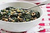 Spinaci alla romana (Spinach with pine nuts, Italy)