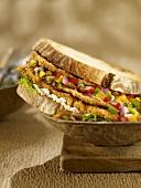 Hähnchen-Sandwich mit Salsa