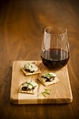 Three Cheese and Cracker Hors d'Oeuvres with Red Wine