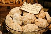 Ricciarelli (Almond biscuits, Italy)