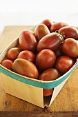 Organic Heirloom Black Plum Tomatoes (Solanum Lycopersicum) in Wood Quart Box