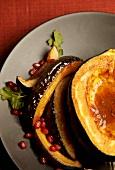 Gebratener Eichelkürbis mit Granatapfelkernen