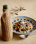 Linguine alla ligure (pasta with olives and peppers)
