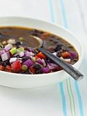 Schwarze Bohnen-Suppe