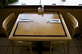 Gedeckter Tisch im Restaurant (USA)