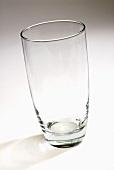Ein leeres Trinkglas