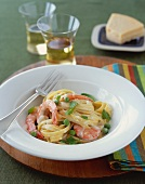 Fettuccine Alfredo with Shrimp and Peas