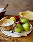 Ingredients for Tarte Tatin: Sugar, Apples, Pastry Shell
