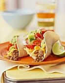 Soft-Shell-Taco mit Rinderhack und Salat