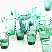 Mehrere grüne Gläser