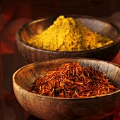 Curry powder and safflower threads (saffron substitute)