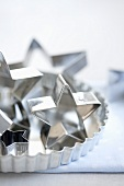 Star-shaped cutters and a tart tin