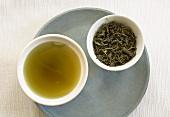 Mulberry tea and tea leaves