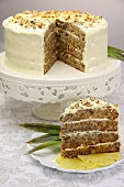 Humming Bird cake (USA), sliced
