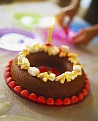 Quick birthday cake: chocolate ring with sweets