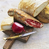 Antipasto rustico (Ham, goat's cheese & bread, Italy)