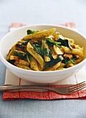Penne con il pollo (Penne with chicken, spinach and pesto)