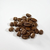 A heap of roasted coffee beans