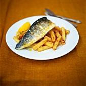 Fried zander on chips