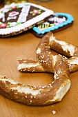 Soft pretzel & Lebkuchen hearts from Oktoberfest (Munich)