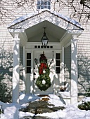 Snowman made from door wreaths (Christmas decoration, USA)