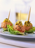 Salmon snacks with capers