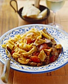 Pasta con il sugo antico (Pasta with meat and mushroom sauce)