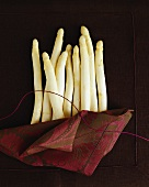 White asparagus spears