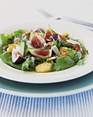 Salad leaves with potato gnocchi and figs