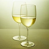Two glasses of white wine (Chardonnay)