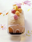 Yoghurt cake with lemon icing and yoghurt sweets