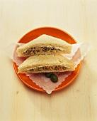 Tramezzini con il tonno (Tuna sandwich, Italy)