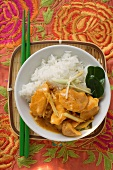 Curried chicken with ginger and lemon grass
