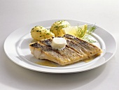 Grilled zander fillet with parsley potatoes