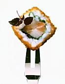 California Maki mit Spinat, Fisch und Seehasenkaviar