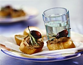 Crostini with chicken liver and black olive