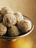 Sweet semolina balls (India)