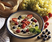 Cold yoghurt soup with fresh berries