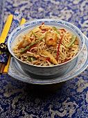 Asian noodles with chicken and vegetables