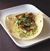 Taco mit Hähnchen und Avocadopüree