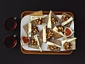 Cheese appetisers with fresh figs