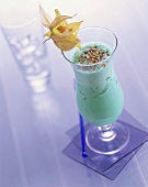 Pineapple Banana Taste: drink made with non-alcoholic Blue Curacao